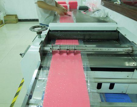 硅胶切料机设备操作与切料注意事项